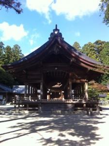 猿投神社の境内