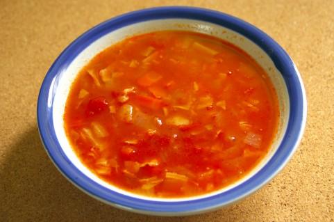 超簡単に調理できた。飲みにくい野菜ジュースをスープにしてみた。