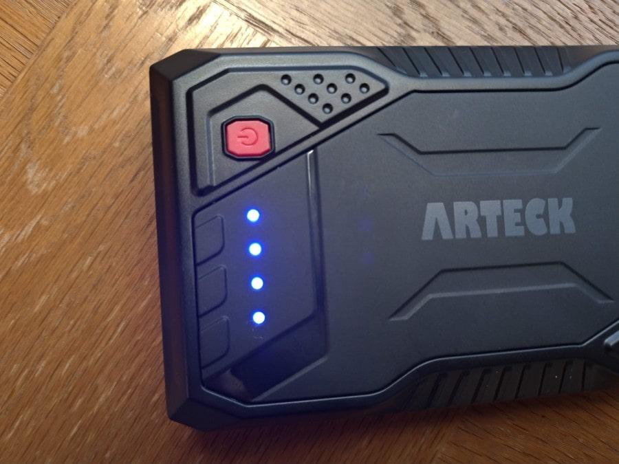 LEDライト用の電源ボタン